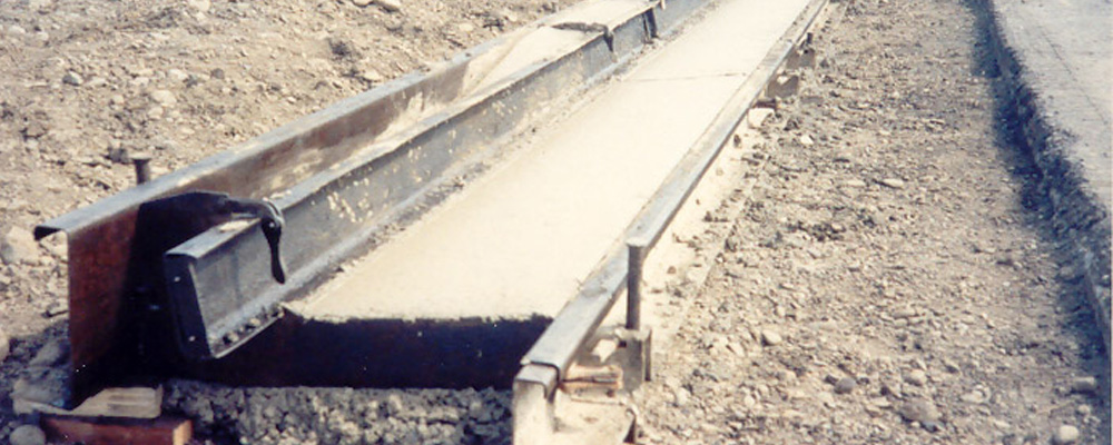 Steel Concrete Forms : Form new a concrete curb
